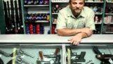 Arnold Schwarzenegger ruft einige Pistole shops - einige Bilder-Zusatz (Arnold Soundbord Streich)