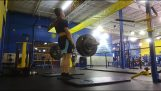 Teenager attacked for making noise while deadlifting