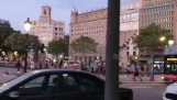 Barcelona: An American tourist attacked by street vendors