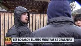 Colombia: They steal his car while he was recording it to upload it to social networks