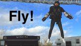 Люди учатся летать с Gravity JetPack