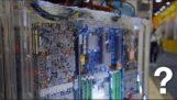"""Răcire PC scufundată în lichid 3M numită """"Bani"""""""