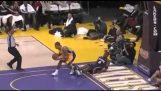 En otrolig stopp av Shannon Brown av Lakers