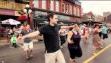 यूनानियों कनाडा में फ़्लैश भीड़ बनाने