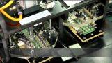 Περιήγηση σε ένα εργοστάσιο κατασκευής μνήμης flash