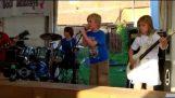 Les enfants jouent à Metallica