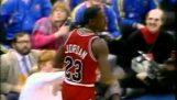 Το απίστευτο κάρφωμα του Michael Jordan πίσω από την γραμμή των βολών (1988)