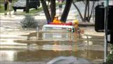 防水的消防隊員