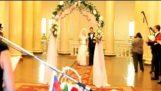 Η νύφη είχε μια δυσάρεστη στιγμή…