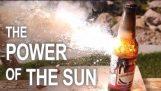 Gravure d'objets à 1000 ° c l'énergie solaire