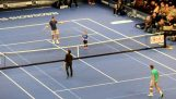อนุและสยองที่การแข่งขันเทนนิส