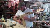 Η κατασκευή της κιθάρας Ak-47