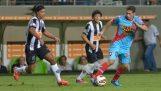 Fantastiskt mål av Ronaldinho i Brasilien