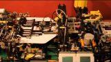 Una máquina de Lego que hace lanzaderas