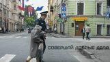 Jó cselekedetek, az utcán, Oroszország