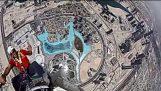 På toppen av den högsta skyskrapan i världen