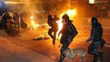 Ο αστυνομικός που έγινε διαδηλωτής