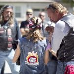 Συμμορία μοτοσικλετιστών προστατεύει κακοποιημένα παιδιά