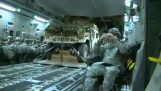 Hummer paraşütle geliyor