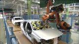 निर्माण के एक मर्सिडीज ए क्लास कारखाने में