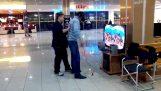 Jeden rosyjski próbuje po raz pierwszy Oculus Rift