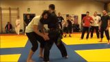 मार्शल आर्ट Pencak Silat का शानदार प्रदर्शन