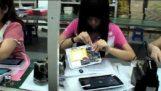 Η συναρμολόγηση ενός φτηνού tablet στην Κίνα