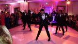 De choreografie-bruidegom verrassing