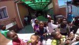 Επίσκεψη σε ένα ορφανοτροφείο της Ν. Αφρικής
