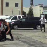 Φάρσα: Κλέβοντας λάστιχα αυτοκινήτων