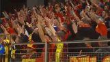 Βόσνιοι και Βέλγοι φίλαθλοι ανταλλάσσουν κασκόλ