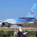 Σκιάθος: Όταν παρκάρεις πίσω από ένα Boeing 757