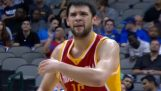 Kostas Papanikolaou hits back-to-back threes in first NBA game
