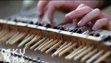 Πιάνο από τσόπστικς