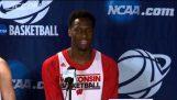 Wisconsin basketbalový hráč má trapný Moment na tiskové konferenci