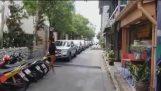 タイで近所を散歩します。