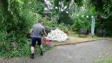 Il voulait brûler des déchets de papier dans son jardin