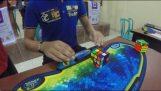Νέο παγκόσμιο ρεκόρ στον κύβο του Ρούμπικ με 4.74 δευτερόλεπτα