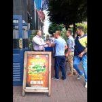 Δυσαρεστημένοι πελάτες εναντίον πορτιέρη