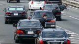Το αυτοκίνητο του Ιάπωνα πρωθυπουργού μπαίνει στον αυτοκινητόδρομο