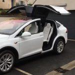 Το Χριστουγεννιάτικο σόου του Tesla Model X