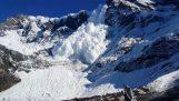 Μια χιονοστιβάδα από κοντά