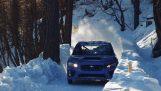 Ένα Subaru WRX STI σε πίστα για έλκηθρα