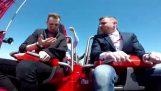 Mannlige kolliderer med Dove på roller coaster