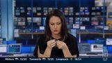 Η δημοσιογράφος πιάστηκε στον ύπνο