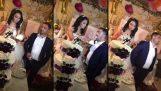 Младоженецът не е, че джентълмен