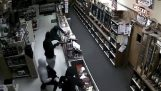 Theft of 50 weapons store in Texas