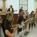 David Gilmour, Mark Knopfler, Mark King, Gary Moore και Lemmy σε ένα κωμικό σκετς