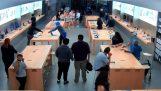 Κλοπή 30 δευτερολέπτων σε κατάστημα της Apple