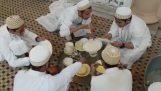 Το πιο οικονομικό πλύσιμο πιάτων (Ινδία)